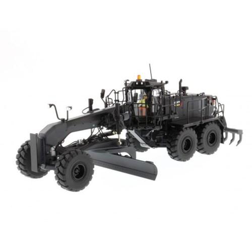 ماشین بازی دی ام مدل Special Black Finish Grader 18M3